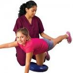 バランスディスクで体幹を鍛える!サッカーやテニスのパフォーマンスを上げるトレーニングは?