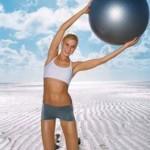 バランスボールを使用した女性向け体幹トレーニングの方法や効果