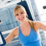 女性のジムでできるおすすめの筋トレのメニューは?肩こりや腰痛改善の筋トレ方法も紹介